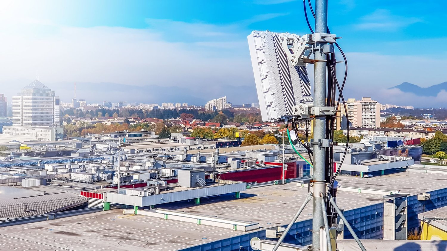Negotiating a Cell Tower Lease: Getting Help